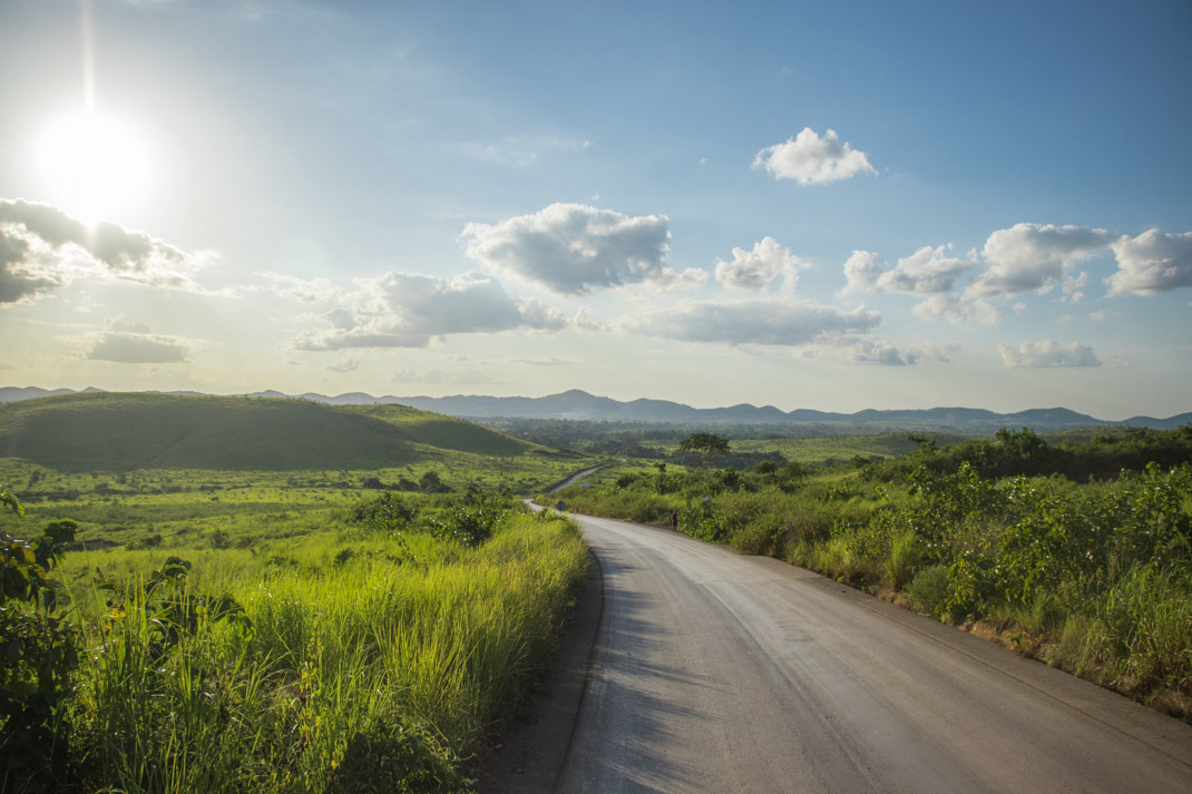 Angola: Scenic drive from the border