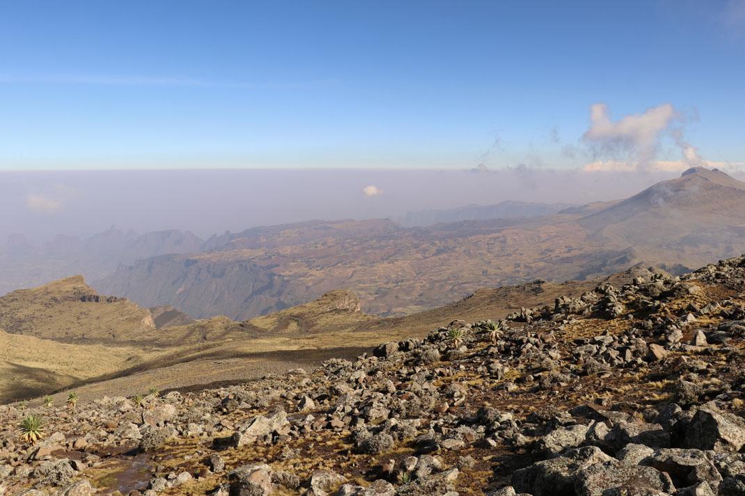Trekking mount Bhawit