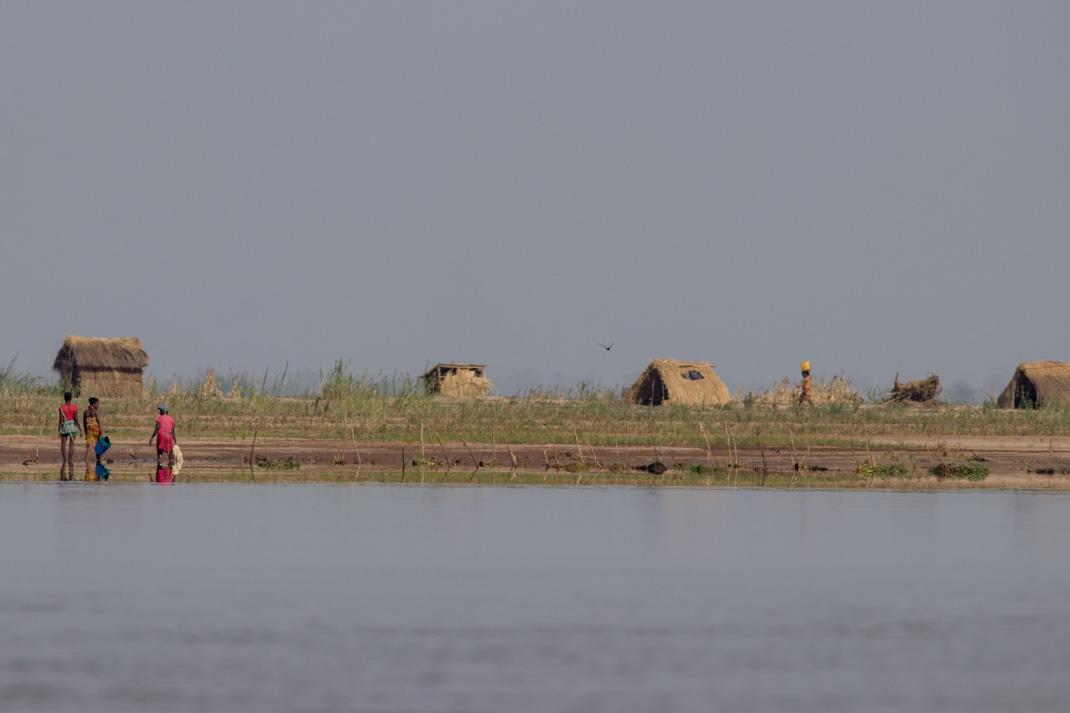 Tsiribihina riverside huts