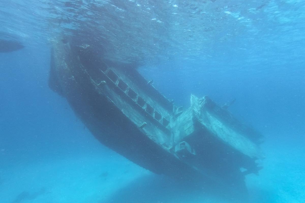 Keyodhoo wreck - Sailing the Maldives
