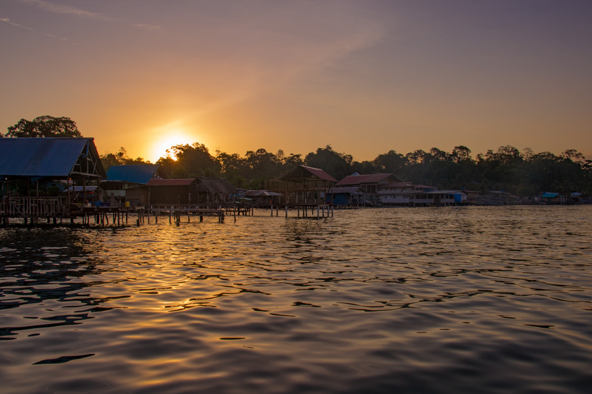 Sunrise on Isla Batimentos - Bocas del Toro