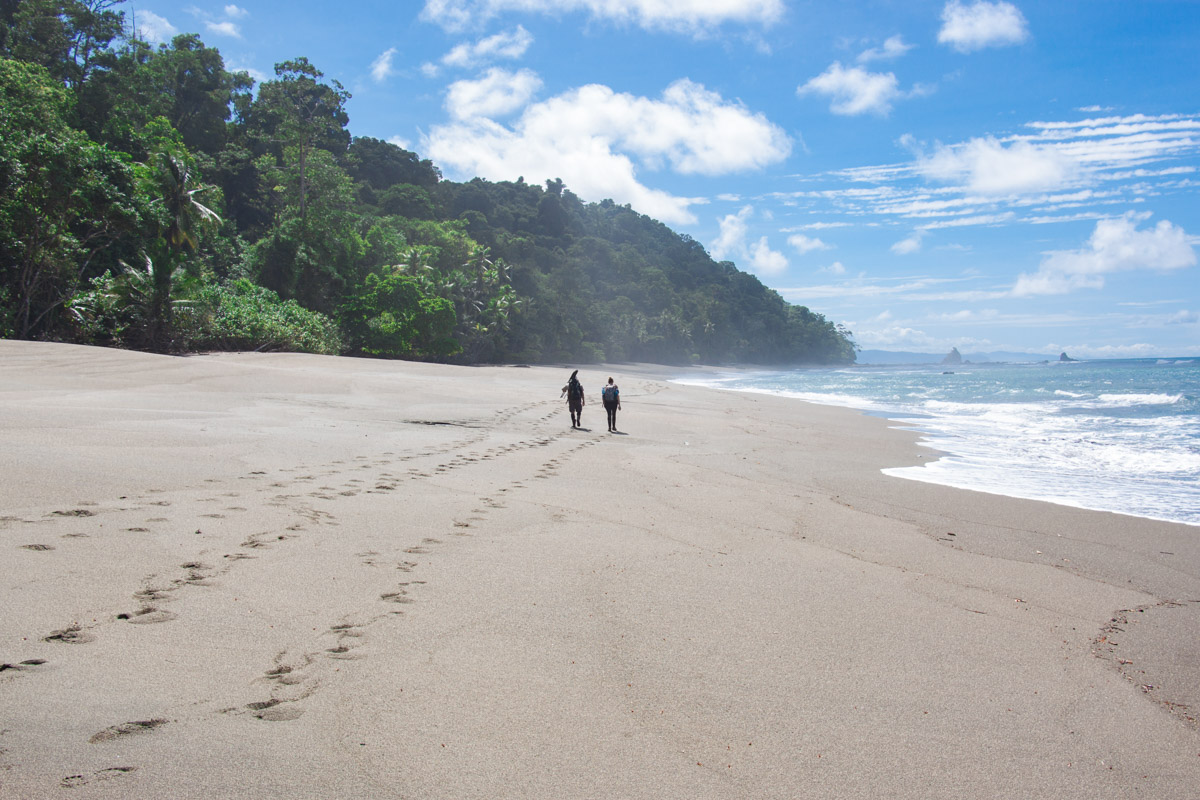 Hiking outo Corcovado National Park