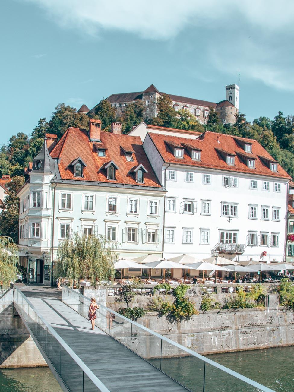 Ribja brv Footbridge with Ljubljanski Grad in the background