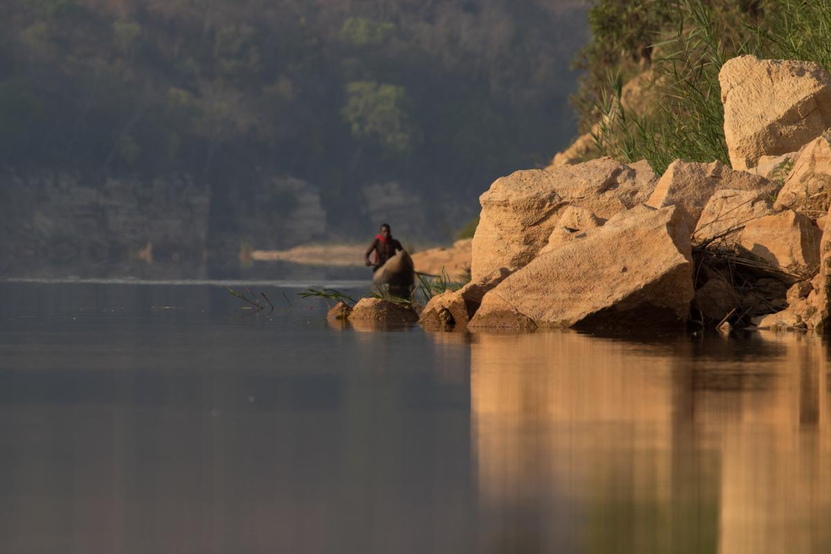 Tsiribihina River locals