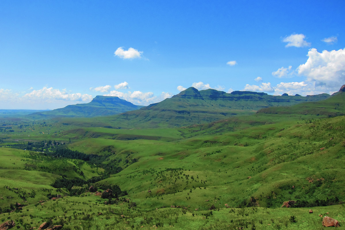 Drakensberg Mountains - Things to do in South Africa