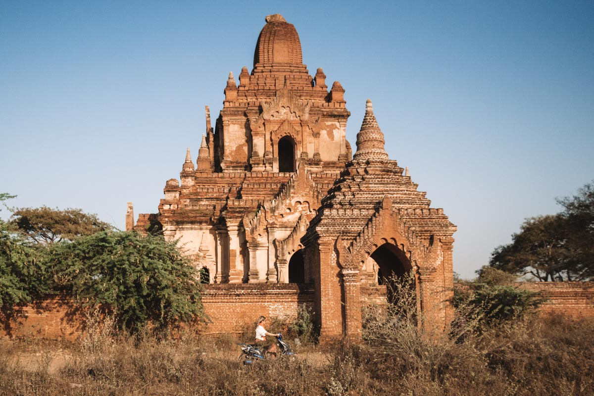 E-biking in Bagan