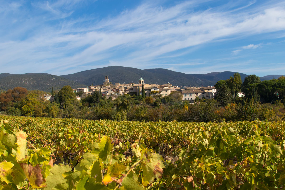 Lourmarin - Things to do in Provence, France