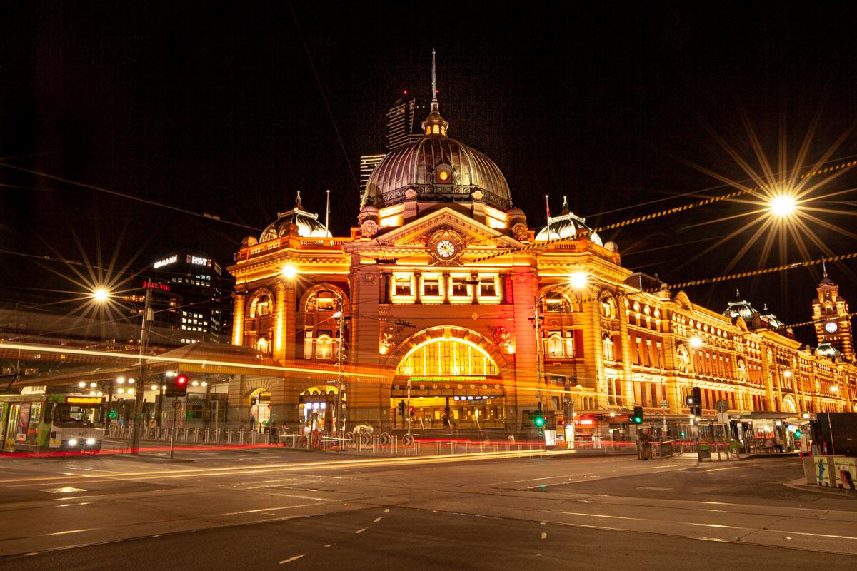 Best night photography spots in Melbourne - Flinders Street Station