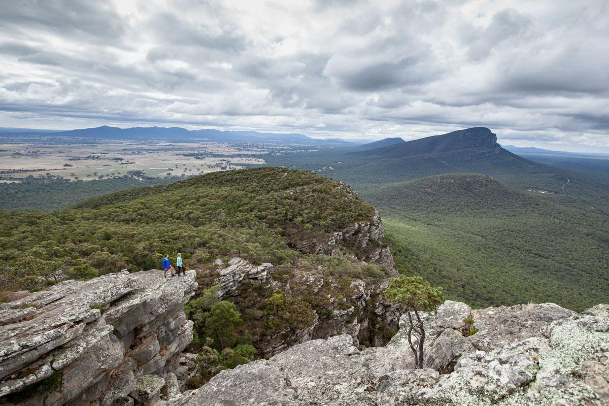 Hiking Mount Sturgeon - Walks & wildlife in the Southern Grampians
